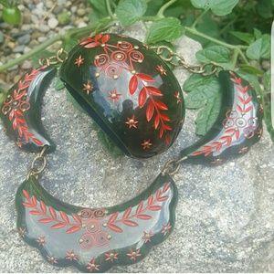 Bakelite bangle and necklace